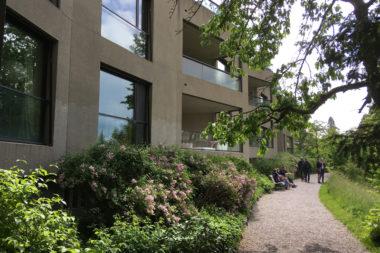 De kunst van een terras bij het appartement